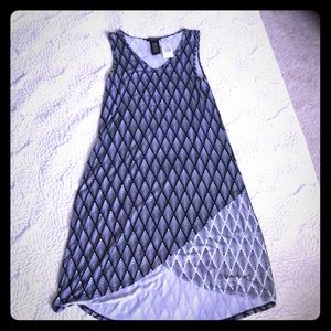 NWT Black and White geo pattered high low dress